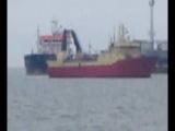 Корабль заходит в порт